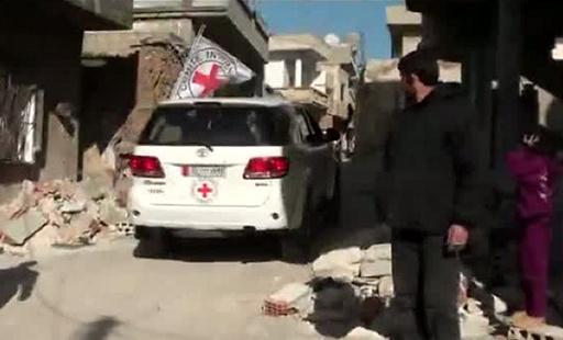دفعة جديدة من المساعدات الإنسانية تدخل مخيم اليرموك بدمشق