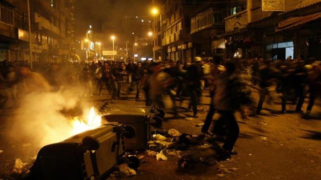 مقتل متظاهر في اشتباكات بين الأهالي وأنصار