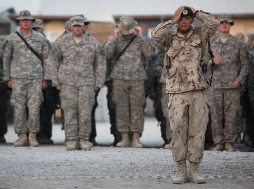 السلطات الافغانية تحتجز القائد السابق للقوات الكندية في البلاد