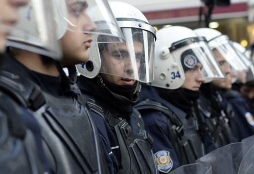الحكومة التركية تسرح 800 شرطي بينهم ضباط