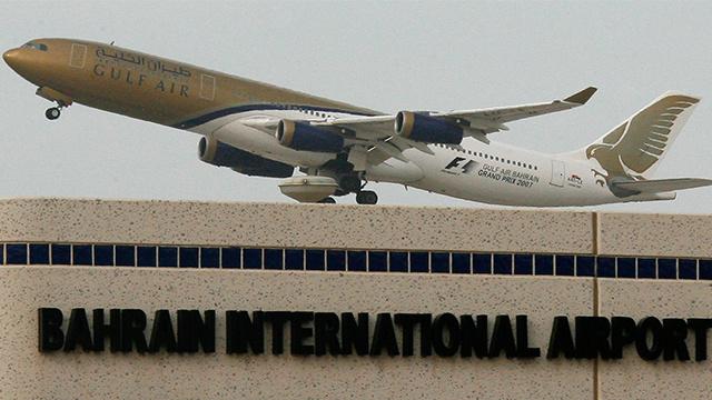 مسافر سعودي يتكفل باستضافة ركاب طائرة تعطلت في البحرين