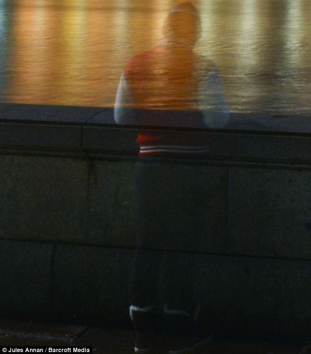 مصور يلتقط صورة شبح قرب البرلمان البريطاني
