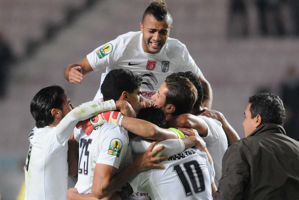 أهم إنجازات الكرة العربية في عام 2013 على صعيد القارتين السمراء والصفراء