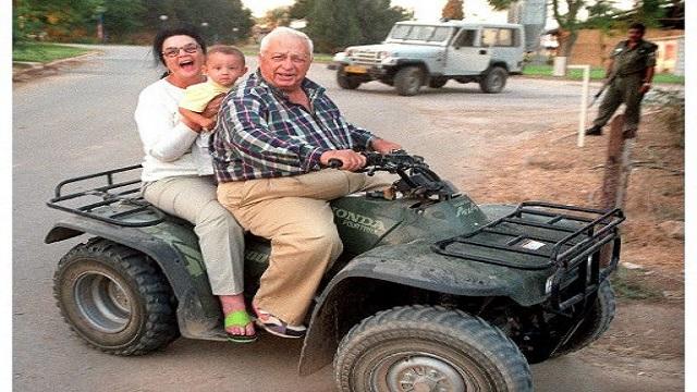 وفاة رئيس الوزراء الإسرائيلي الأسبق أرييل شارون