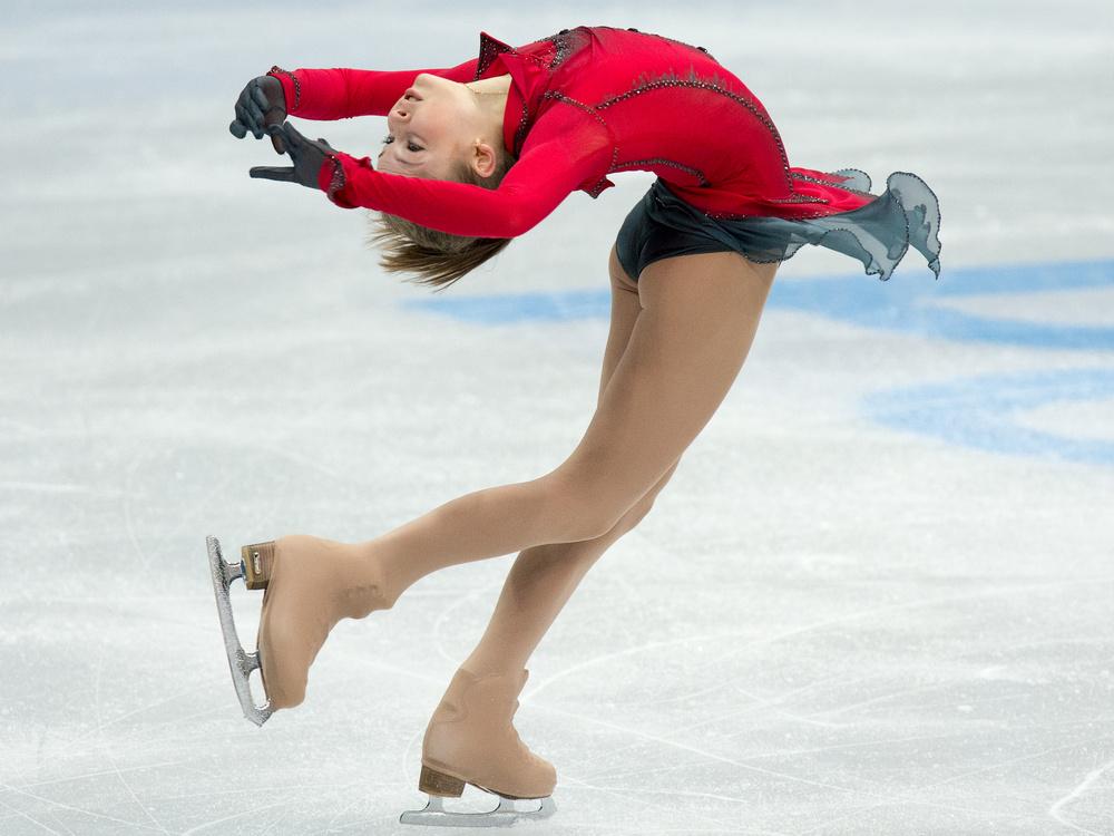 بالصور .. الروسية ليبيتسكايا تحرز ذهبية أوروبا للتزحلق الفني على الجليد