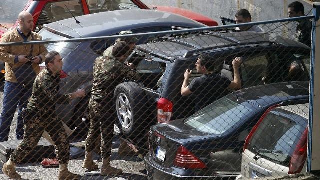 الجيش اللبناني يضبط سيارة ثانية مفخخة وعلى متنها 3 فتيات