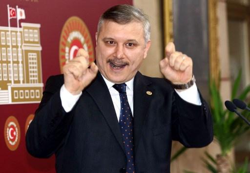 استقالة نائب ثامن من حزب العدالة والتنمية الحاكم في تركيا