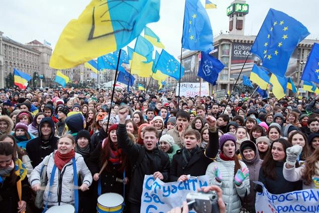 لافروف: الغرب يتعامل مع الاحتجاجات في اوكرانيا بمعايير مزدوجة