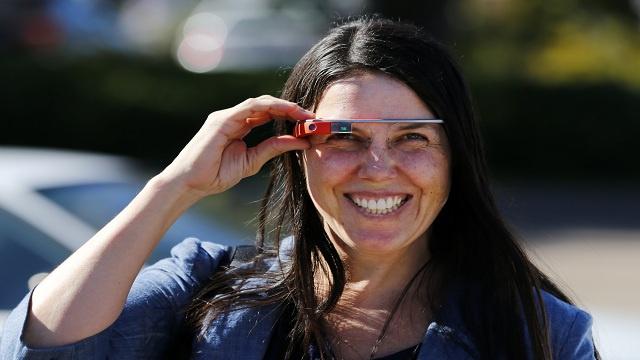 نظارات غوغل الذكية تزود لأول مرة بألعاب فيديو مصغرّة