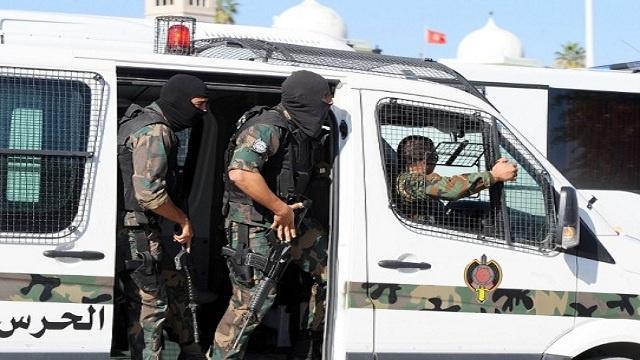 اعتقال إرهابي و7 متورطين في تمويل مسلحين في تونس
