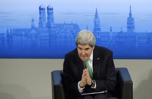 كيري: واشنطن تؤيد تطلعات الشعب الاوكراني الديمقراطية