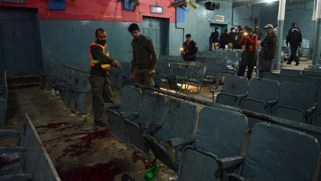 5 قتلى وأكثر من 30 جريحا بانفجارين في سينما بباكستان