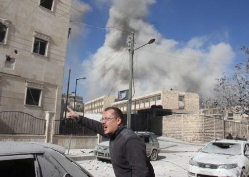 تجدد القصف الجوي على حلب والجيش يستعيد بلدة الأشرفية بريفها