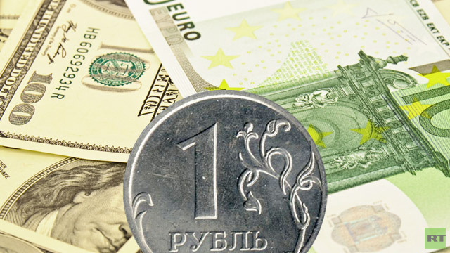 الدولار واليورو يتابعان الصعود والمركزي الروسي يوسع لأول مرة سقف هامش تعويم الروبل بقيمة 25 كوبيكا