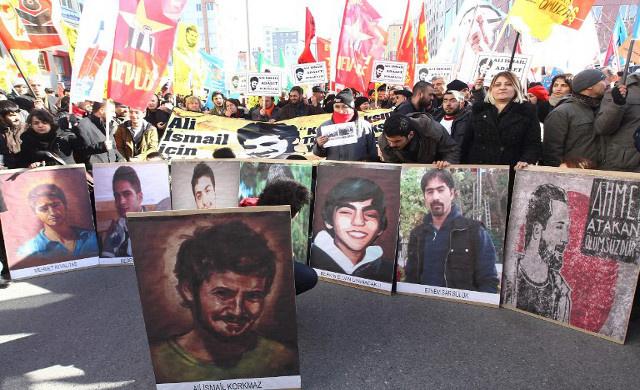 محاكمة 4 عناصر من الشرطة بتركيا بتهمة ضرب متظاهر حتى الموت
