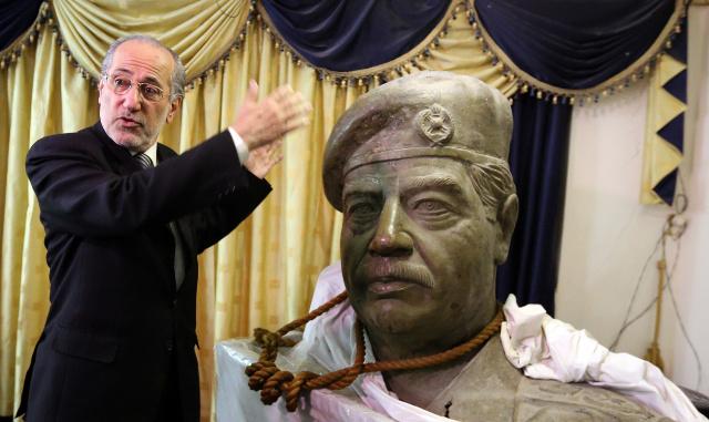 الربيعي: أحتفظ بحبل مشنقة صدام في مكتبي ليعتبر من بعده