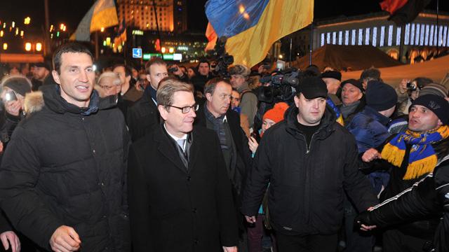نولاند تصل إلى كييف لعقد لقاءات مع السلطات والمعارضة الاوكرانية