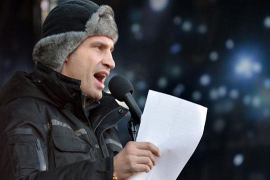 كليتشكو يدعو إلى الرجوع لدستور 2004