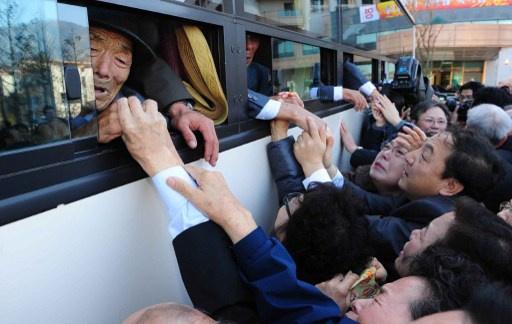 الاتفاق على لقاء الأسر الكورية المشتتة
