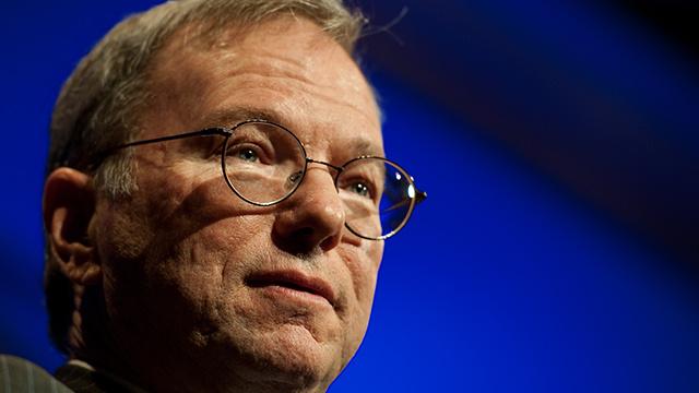 غوغل تمنح رئيس مجلس إدارتها السابق مكافأة بقيمة 100 مليون دولار