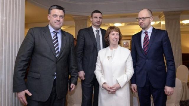 بوشكوف: الحديث عن احتمال تقديم الغرب مساعدات مالية لأوكرانيا ديماغوجي