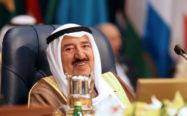 أمير الكويت يتبرع بـ 5 ملايين دولار من أجل انشاء قرية للنازحين السوريين في الأردن