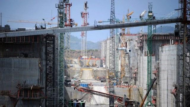 الشركات الغربية توقف توسيع قناة بنما ورئيس الدولة يهدد باستبدالها لإتمام المشروع