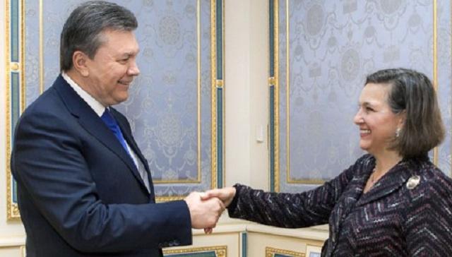 يانوكوفيتش يبحث الأزمة الأوكرانية مع نولاند ويتعهد بالإسراع في الإفراج عن المعتقلين