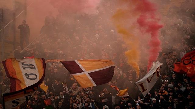 الاتحاد الإيطالي يوقف جماهير روما بسبب سوء السلوك