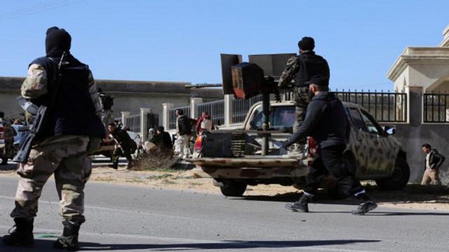 مسلحون مجهولون يهاجمون مقر قيادة الجيش في العاصمة الليبية طرابلس
