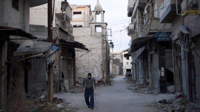 بدء إجلاء المدنيين من حمص .. وموسكو تؤكد أن الهدنة ستستمر 3 أيام