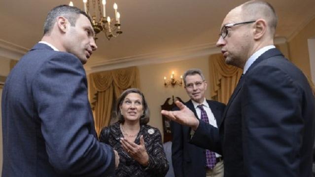 المعارضة الأوكرانية تبحث مع نولاند احتمال فرض عقوبات على بعض المسؤولين