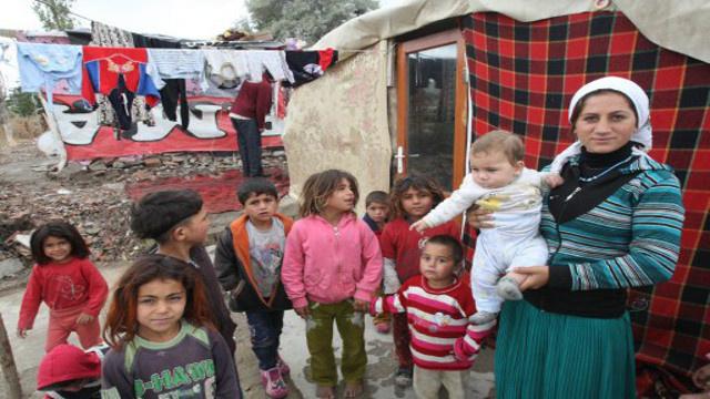 عدد اللاجئين السوريين في تركيا يتجاوز 700 ألف