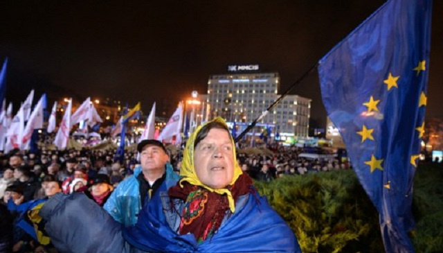 الاتحاد الأوروبي لا ينوي فرض عقوبات على أوكرانيا أو بعض مسؤوليها