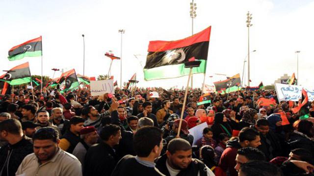 تظاهرات في مدن ليبية احتجاجا على تمديد ولاية المؤتمر الوطني العام