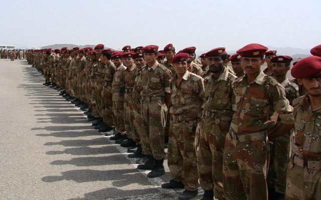 وزير الدفاع اليمني يقود العمليات العسكرية في حضرموت