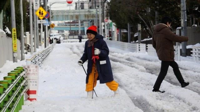 مصرع 11 شخصا في أقوى عاصفة ثلجية تضرب اليابان منذ عشرين عاما