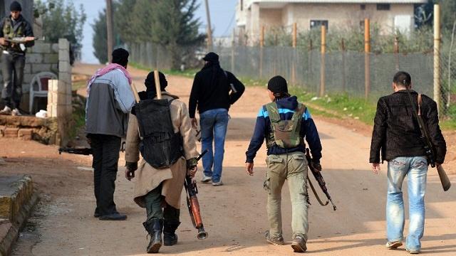 مقاتلون إسلاميون يسيطرون على قرية معان والحكومة تتهمهم بارتكاب مجزرة