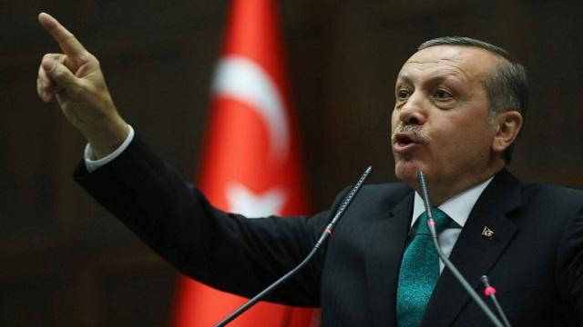 أردوغان يتهم خصومه السياسيين بخلق