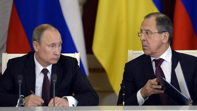 بوتين يشيد بنجاحات الدبلوماسية الروسية على المسارين السوري والإيراني
