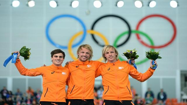 هولندا تهيمن على مسابقة التزحلق (500 متر)