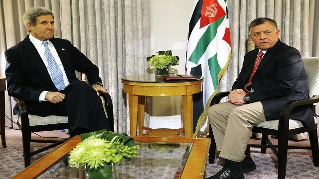 العاهل الأردني يلتقي بكيري ويبحثا الملفين الفلسطيني والسوري