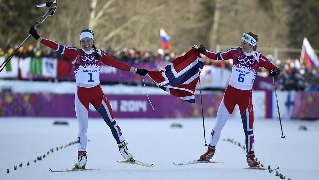 النرويجية كاسبيرسين تفوز بذهبية البياثلون السريع
