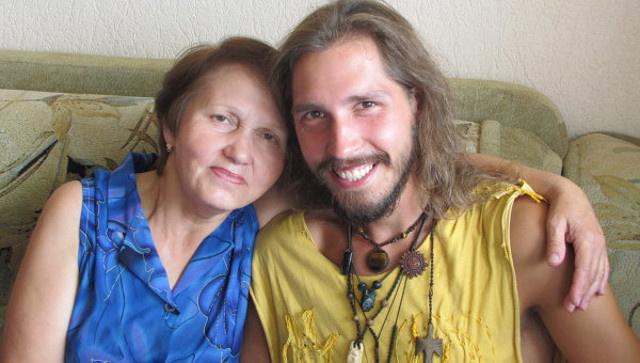 المغامر الروسي المختطف من قبل المسلحين في سورية يخبر اهله بأنه مهدد بالقتل