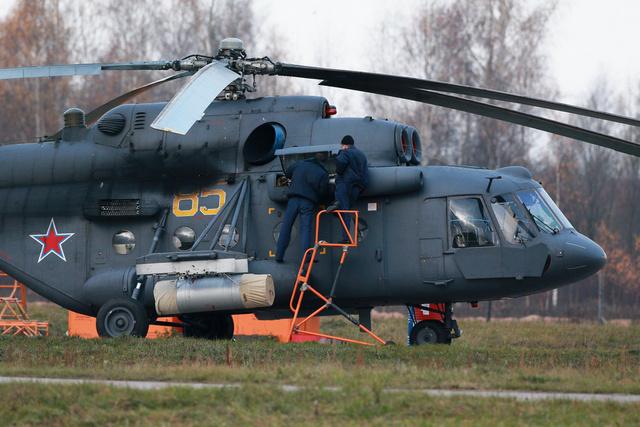 موسكو تسلم أفغانستان مروحيات نقل عسكرية روسية بأموال أمريكية