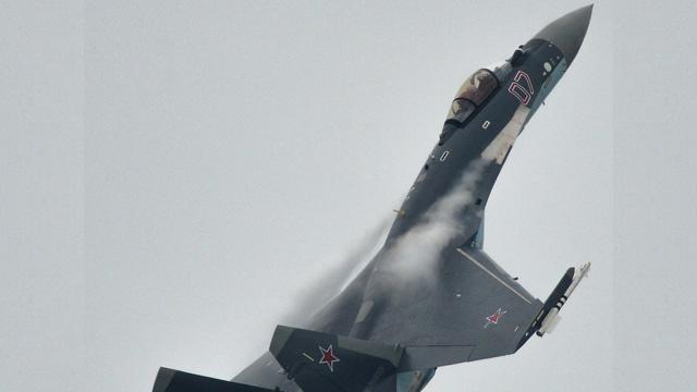 القوى الجوية الروسية تتسلم مقاتلات من طراز سو-35 إس