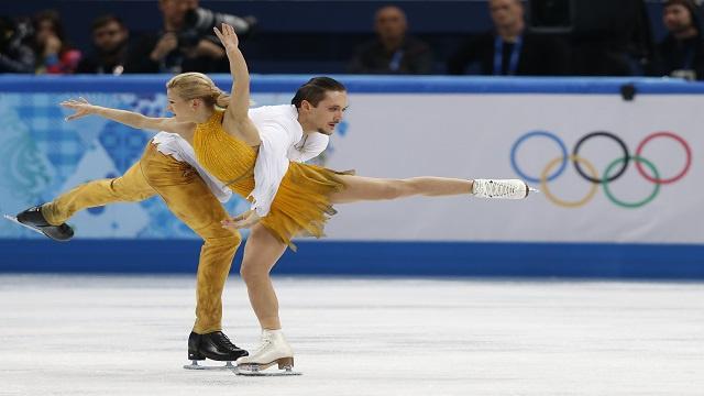 الثنائي الروسي ترانكوف وفولوسوجار يحرز ذهبية التزحلق الفني الأولمبية