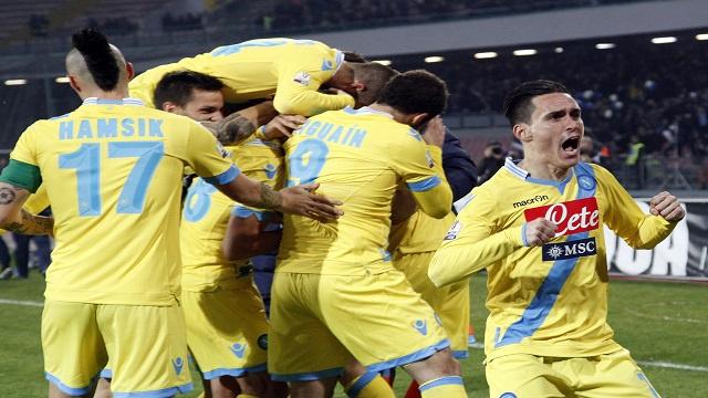 نابولي يرد التحية لروما ويتأهل الى نهائي كأس إيطاليا