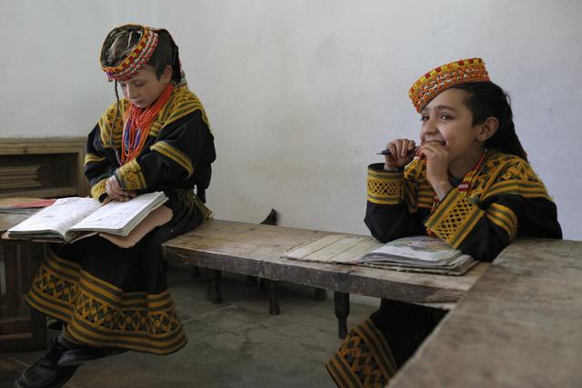 طالبان باكستان تخيّر قبيلة كالاش بين اعتناق الإسلام أو الموت