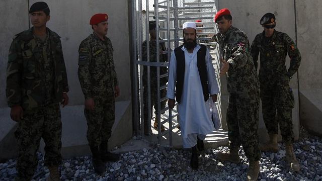 أفغانستان تفرج عن 65 سجينا من مقاتلي طالبان رغم اعتراضات واشنطن